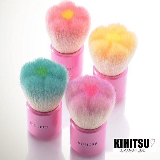 熊野筆 KIHITSUのフラワー洗顔ブラシ